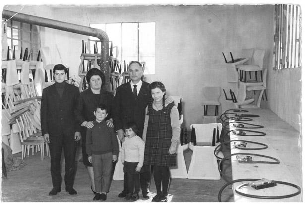 Fabbrica produzione sedie busetto produttore sedie for Sedie design treviso